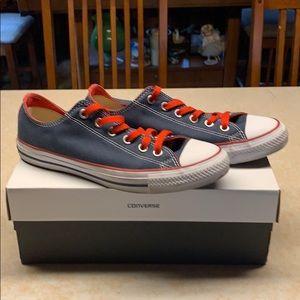 Converse Sneakers Sz 8 Mens 10 Woman's New